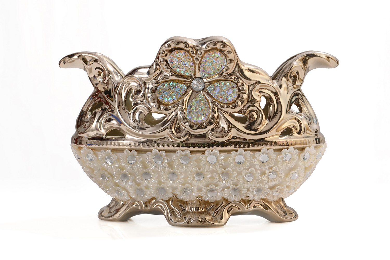 Luxury Decorative Showpiece